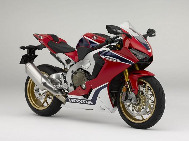 英国ホンダ、インターモト2016で「CBR1000RR」や「CB1100」など新型4車種を発表。