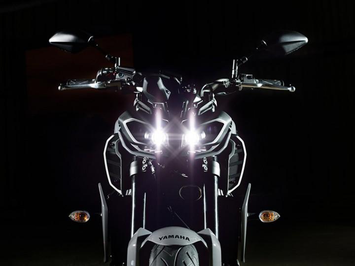 ヤマハ、スポーツバイク「MT-09」フロントマスクを変更してマイナーチェンジ。