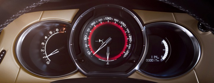 シトロエン、WRC譲りのハイエンドモデル「DS 3 パフォーマンス」を40台限定で発売。