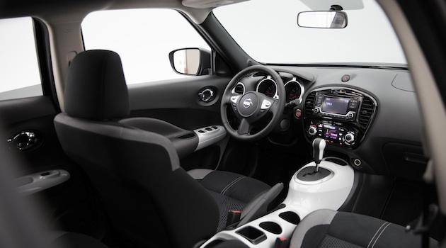 日産、人気のコンパクトクロスオーバーSUV「ジューク」の「ブラックパールエディション」をロサンゼルスモーターショー16で初公開。